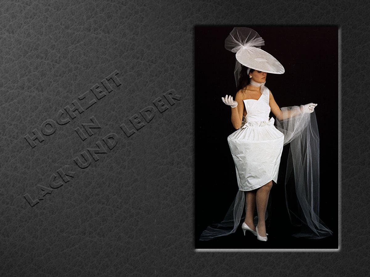 Individuelles Brautkleid aus Lackfolie