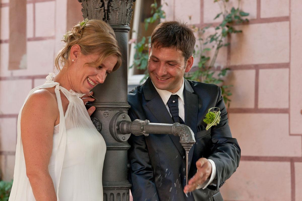 Liebevolle Momente auf der Hochzeit